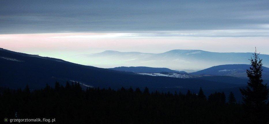 Widok z trasy na Czarną Górę